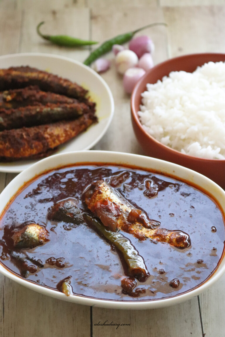 Varutharacha saala meen (mathi meen) kuzhambu – Sardine fish in roasted spices curry